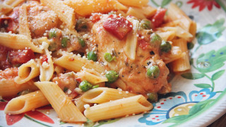 Gluten-Free-Fire-Roasted-Tomato-and-Cheese-Chicken-Penne