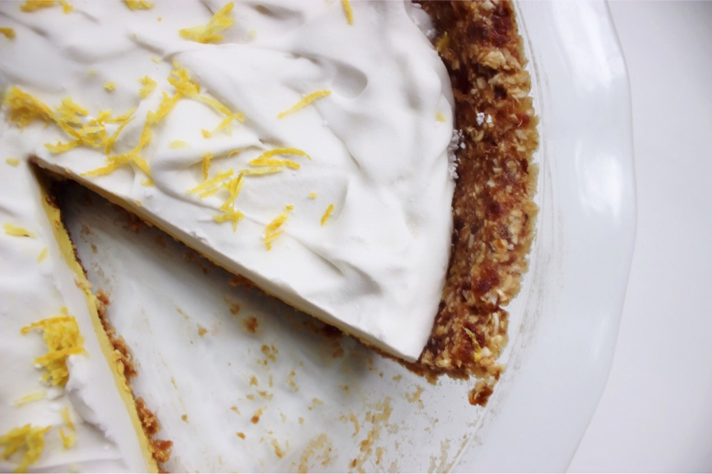No Bake Lemon Pie | Kim @ The Coconut Diaries